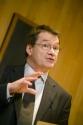 CDO England to retire