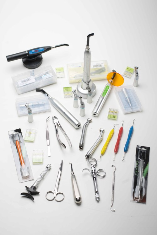 Dentist suspended for using counterfeit dental equipment