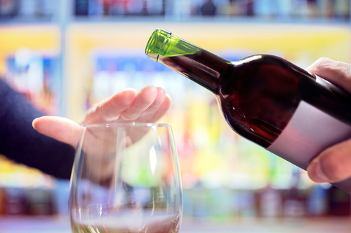 Faculty warns of dangers to oral health of drinking alcohol