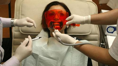 BBC: Reports of illegal teeth-whitening: up 26%
