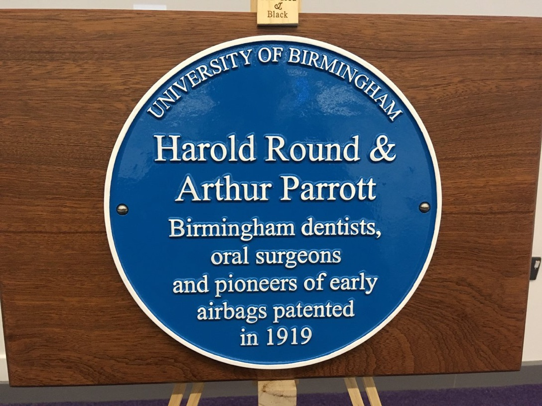Birmingham University unveils blue plaque for two dentists
