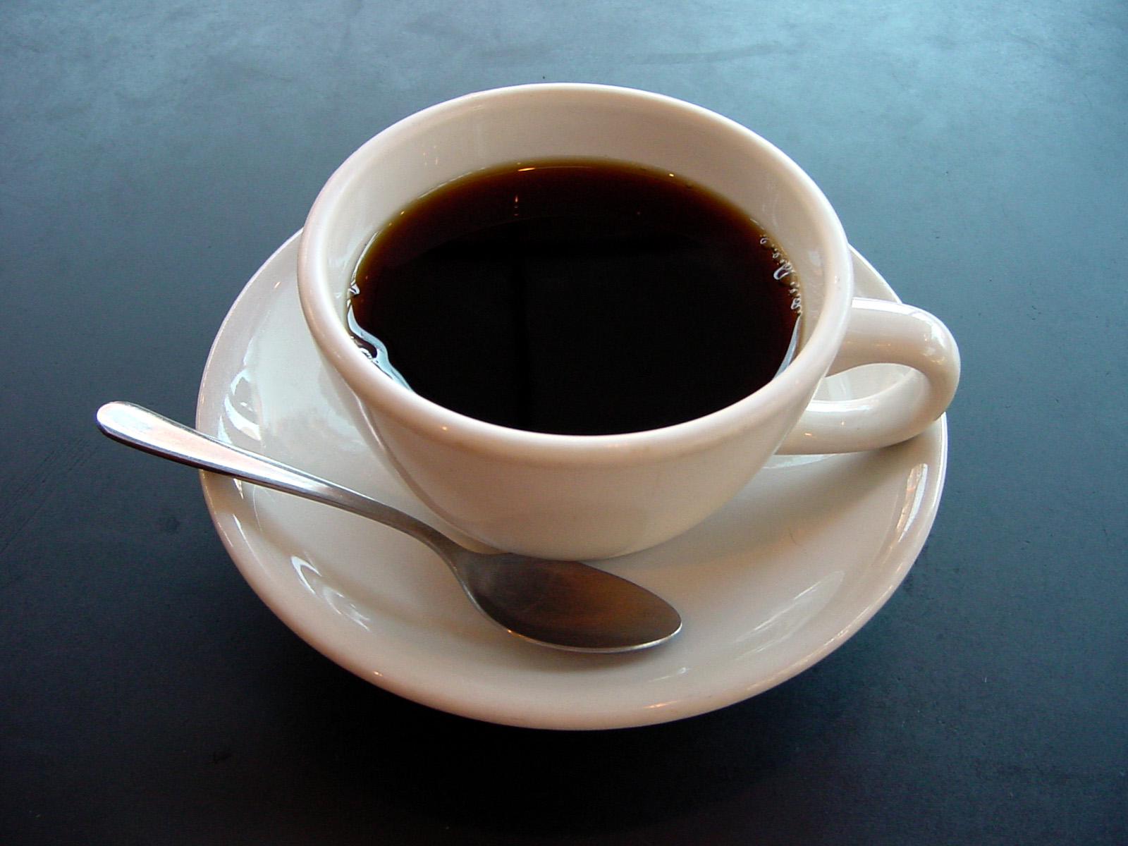 Coffee drinking may halve risk of oral cancer